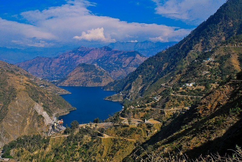 This image has an empty alt attribute; its file name is 912016748dalhousie_chamera_lake_main.jpg